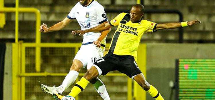 Placca Fessou Mèmè lors du match Lierse Kempenzonen - Union Saint-Gilloise